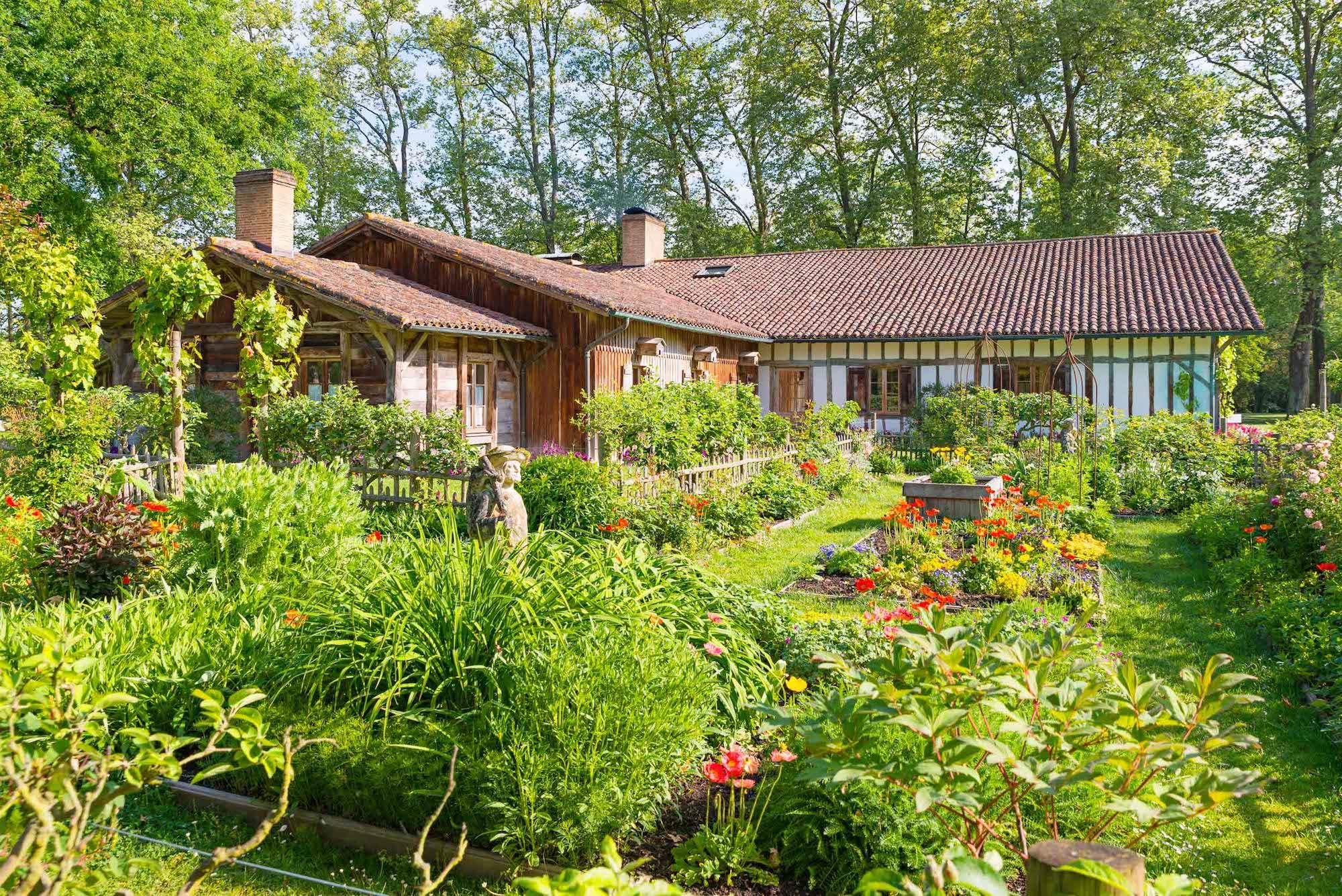 La ferme thermale les pr s d 39 eug nie maison guerard - Eugenie les bains la maison rose ...