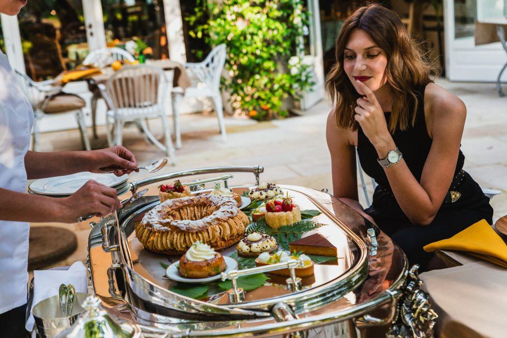 Les Prés d'Eugénie - Relais & Chateaux - Palace - Restaurant L'Orangerie - Chariot des Desserts